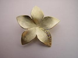 Anhänger, 585/- Gold, Blüte mit Brillantverschnitt