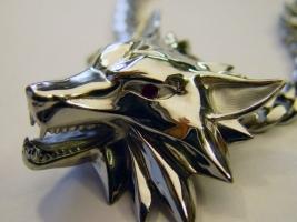 Wolfskopf, Silber mit Rubinaugen und Galv.Palladium Auflage