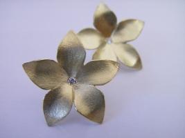 """Ohrstecker """"große Blüte"""", 585/- Gold, Brillant"""