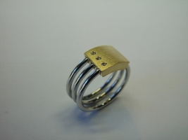 Ring, 960/- Platin, 750/- Gold, Brillanten