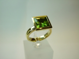 Ring, 750/- Gold, Peridot