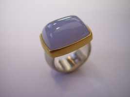 Ring, 925/- Silber, 750/- Gold, Chalcedon