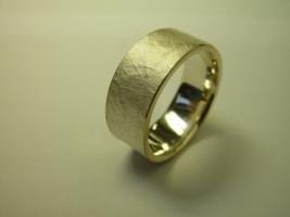Ring, 925/- Silber mit feiner Oberfläche
