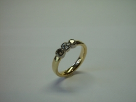 Ring, 750/- Gold, naturfarbene Brillanten, Radiant