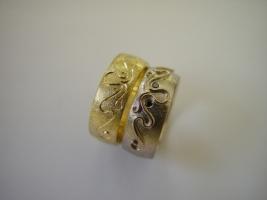 Trauringe, 750/- Gelb/Weiß, graviert, schwarze Diamanten